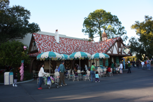 Mom's Guide to Strollers at Disney World: Rentals, Parking, Pricing and Policy