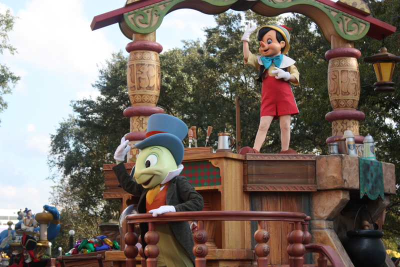 Best Packing List for Disney World in March